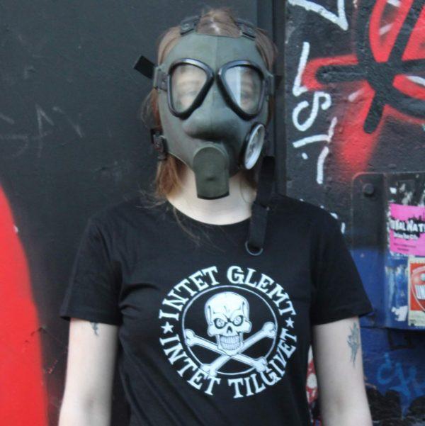 intet-glemt-intet-tilgivet-t-shirt-slimfit
