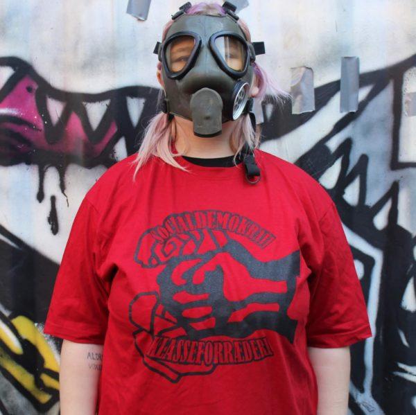 socialdemokrati-klasseforraderi-t-shirt-unisex