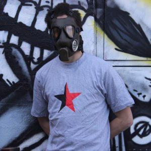 sort-rod-stjerne-t-shirt-unisex