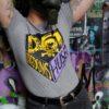 D61-ungdomshuset-t-shirt-slimfit-grå-2