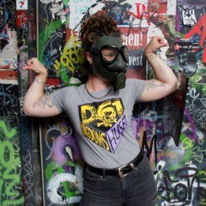 D61-ungdomshuset-t-shirt-slimfit-grå